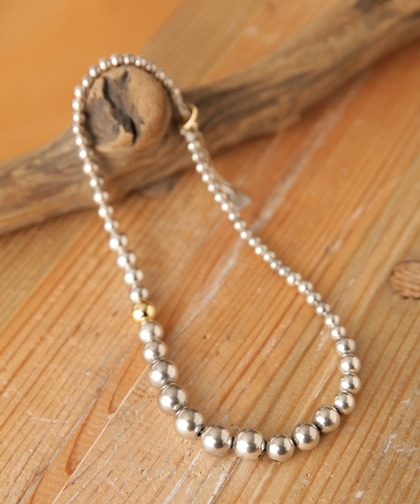 Grdation Silver Pearl Necklace