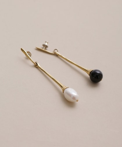 CALLA DROPS PIERCED EARRINGS